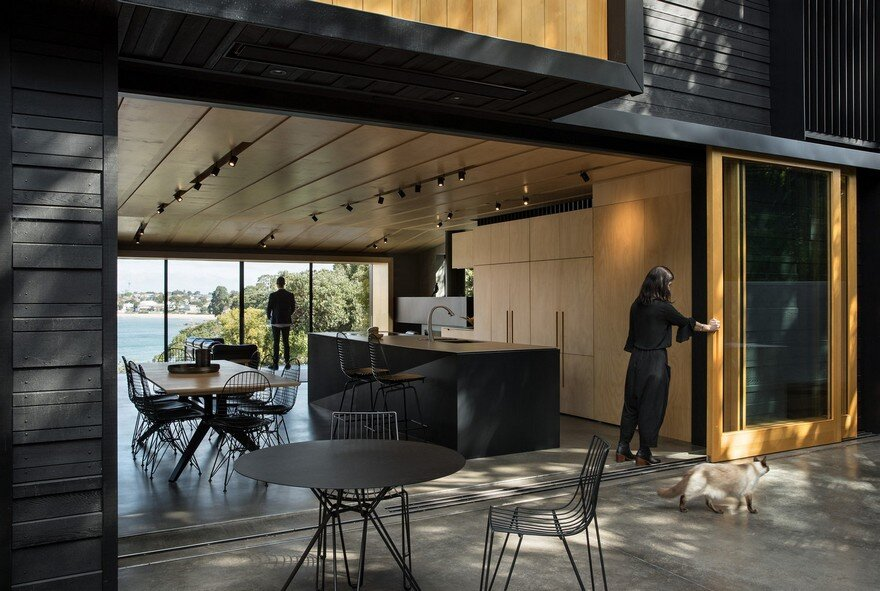 Bay House on Auckland's North Shore, Strachan Group Architects