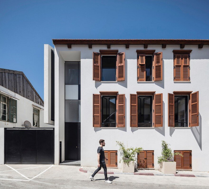 The charm townhouse by meirav galan architect for Townhouse architecture designs