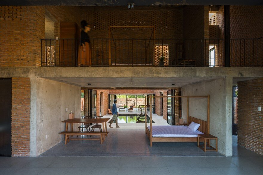 Vietnamese Contemporary House Inspired by Traditional Architecture 15