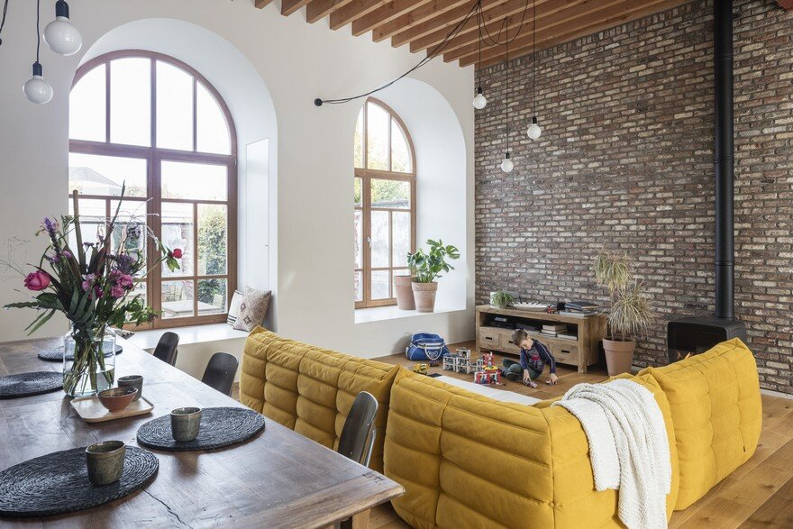 Bright Family Home Designed Behind Historic Façade