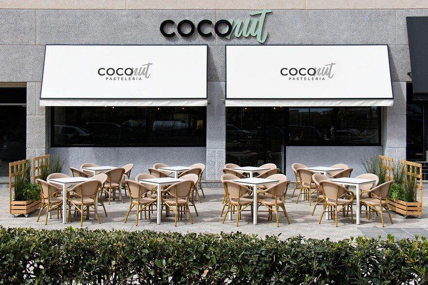 Coconut Pasteleria in Valencia by Nihil Estudio