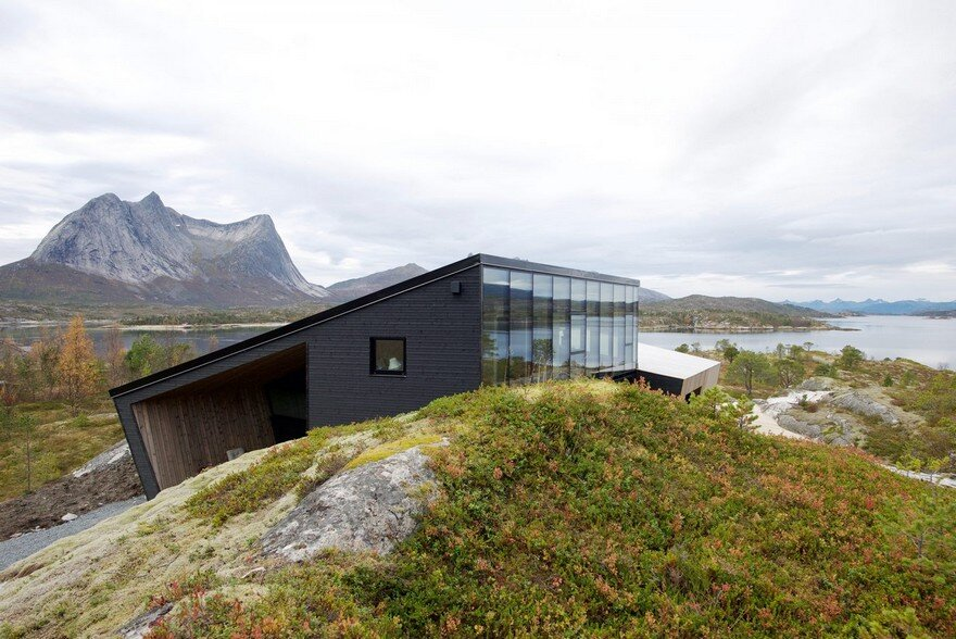 Efjord Cabin Retreat by Stinessen Arkitektur 1