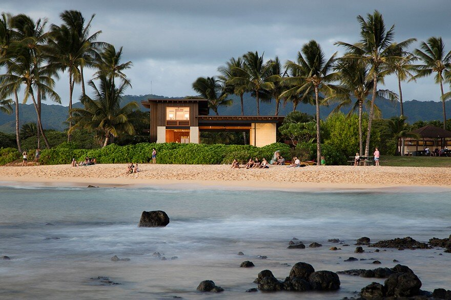 Hale Nukumoi Beach House by Walker Warner Architects