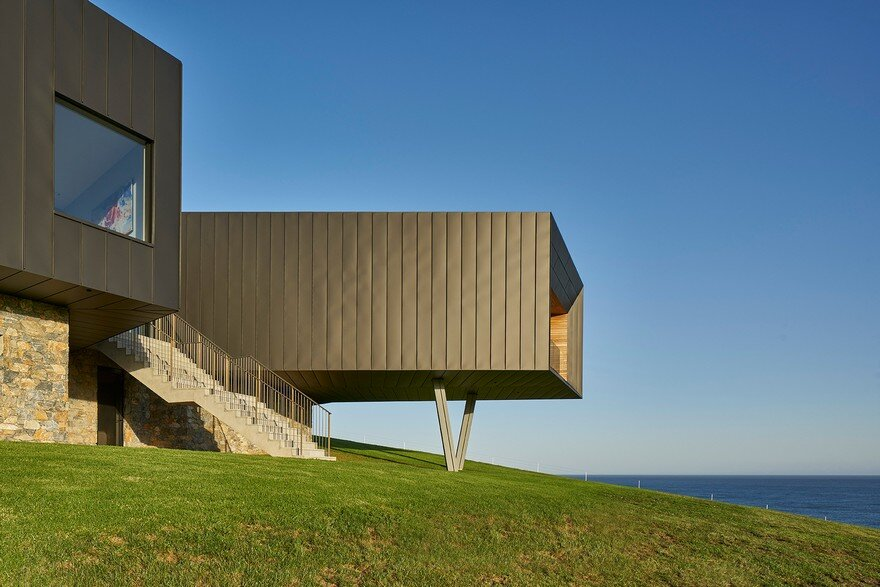 Pavilion-Like House Offers Spectacular Views of New South Wales's Werri Beach 14