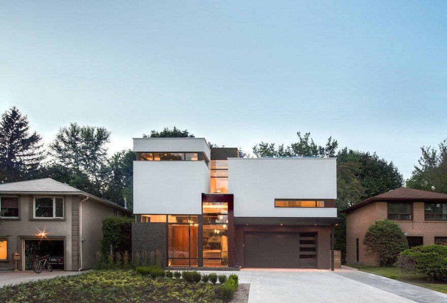 Renovation of a 1960 s side split home in toronto by for Side split house designs