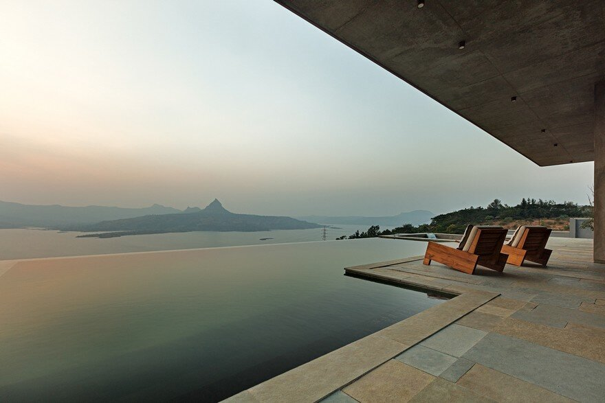 Single Level Pavilion Build as a Retreat to Escape the Frenetic Pace of Mumbai Life