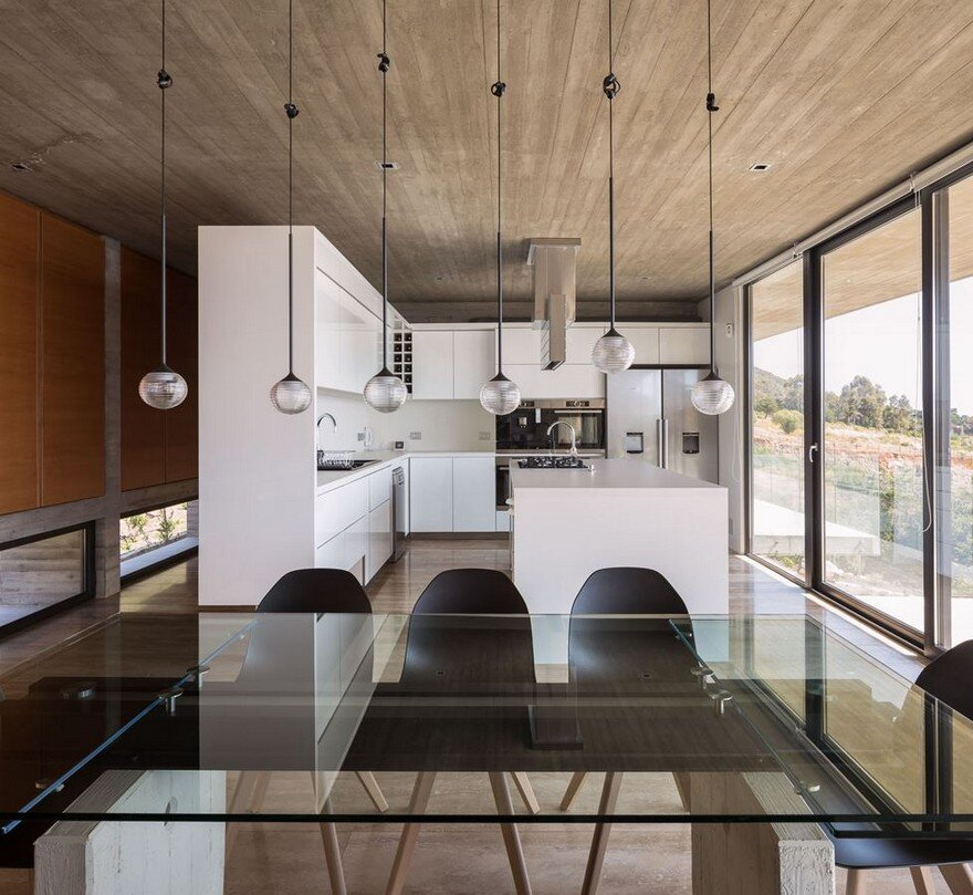 Reinforced Concrete House By Felipe Assadi Arquitectos