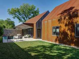 Linder House is Inspired by the Historic Texas Blackland Prairie Homestead 4