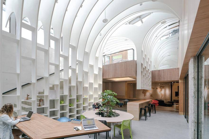 Multipurpose Co-working and Gathering Space in Taipei / Yuan Architects