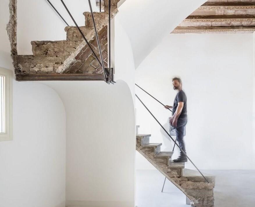Arimon House by García-Durán and Associates