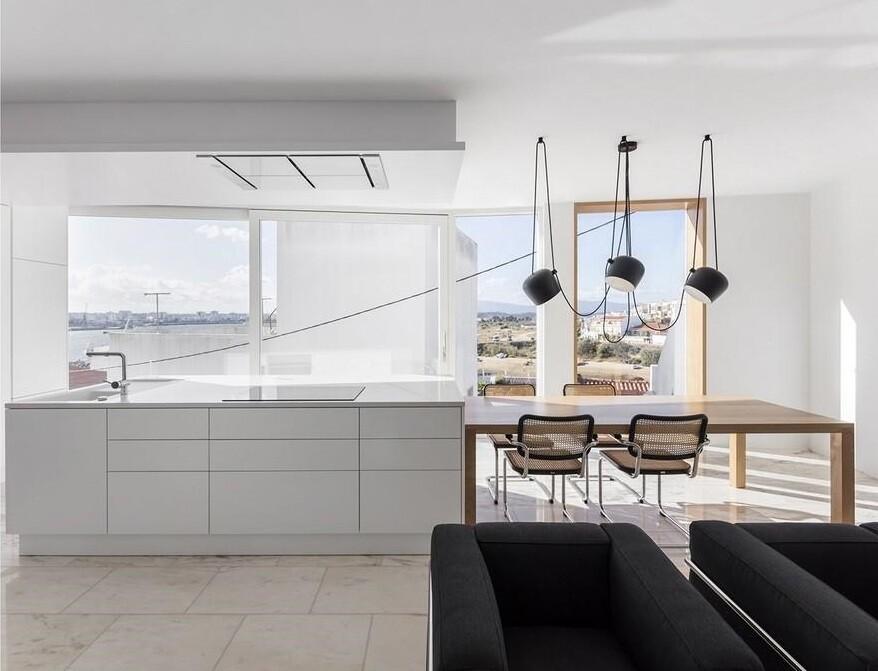 Casa dos Abraços by Marlene Uldschmidt Architects