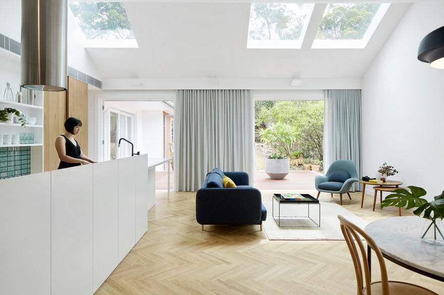 Skylit House: Light-Filled Renovation of an Existing 1950s Bungalow