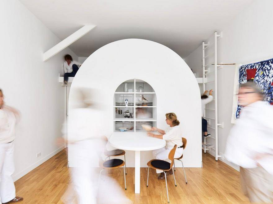 Old Parisian Style Workshop Turned into a Minimal and Flexible Flat 1