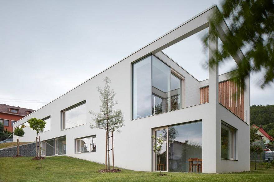 Multi-Generational Family Home by Martinka Spusta Architekti