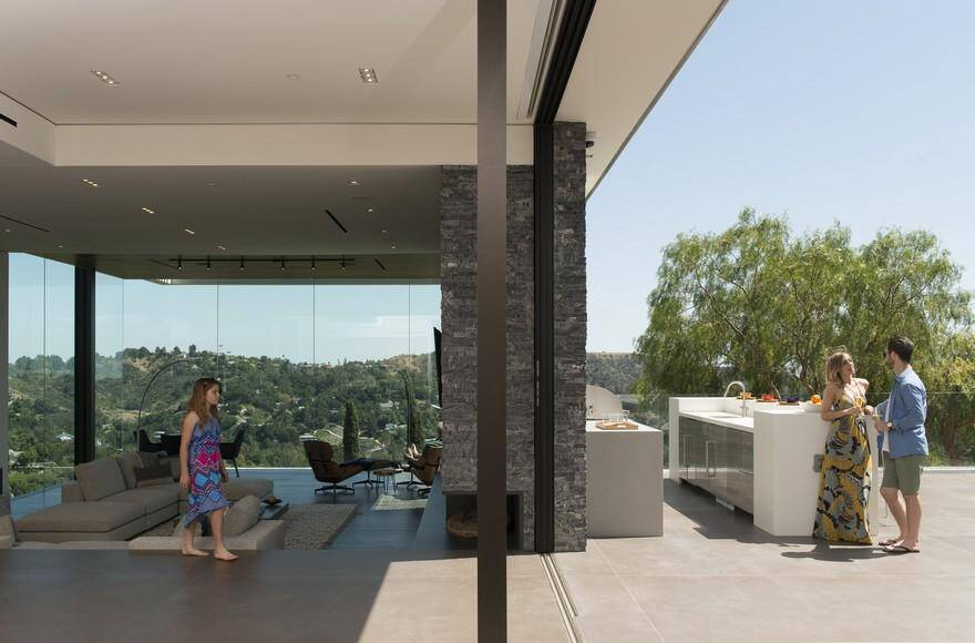 A Contemporary, Sophisticated Beverly Hills Residence