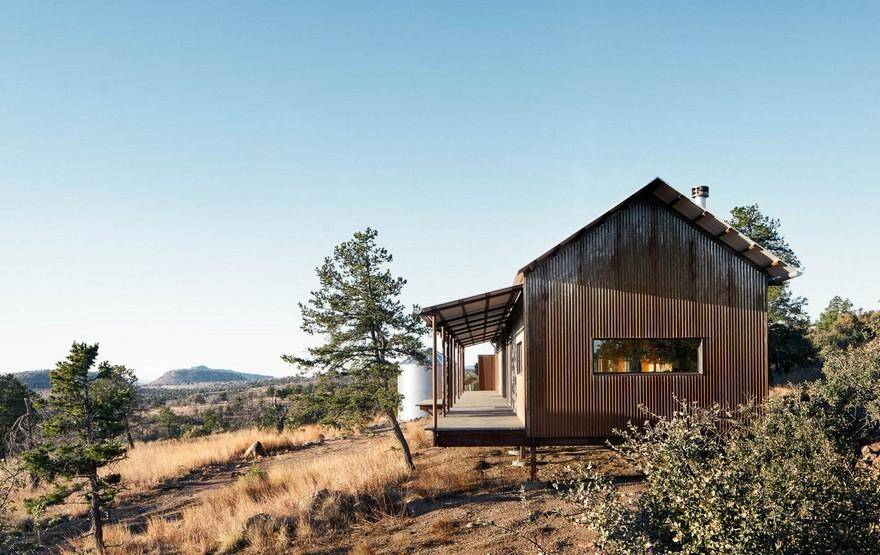 Off-the-Grid Porch House in West Texas, prefabricated cabin