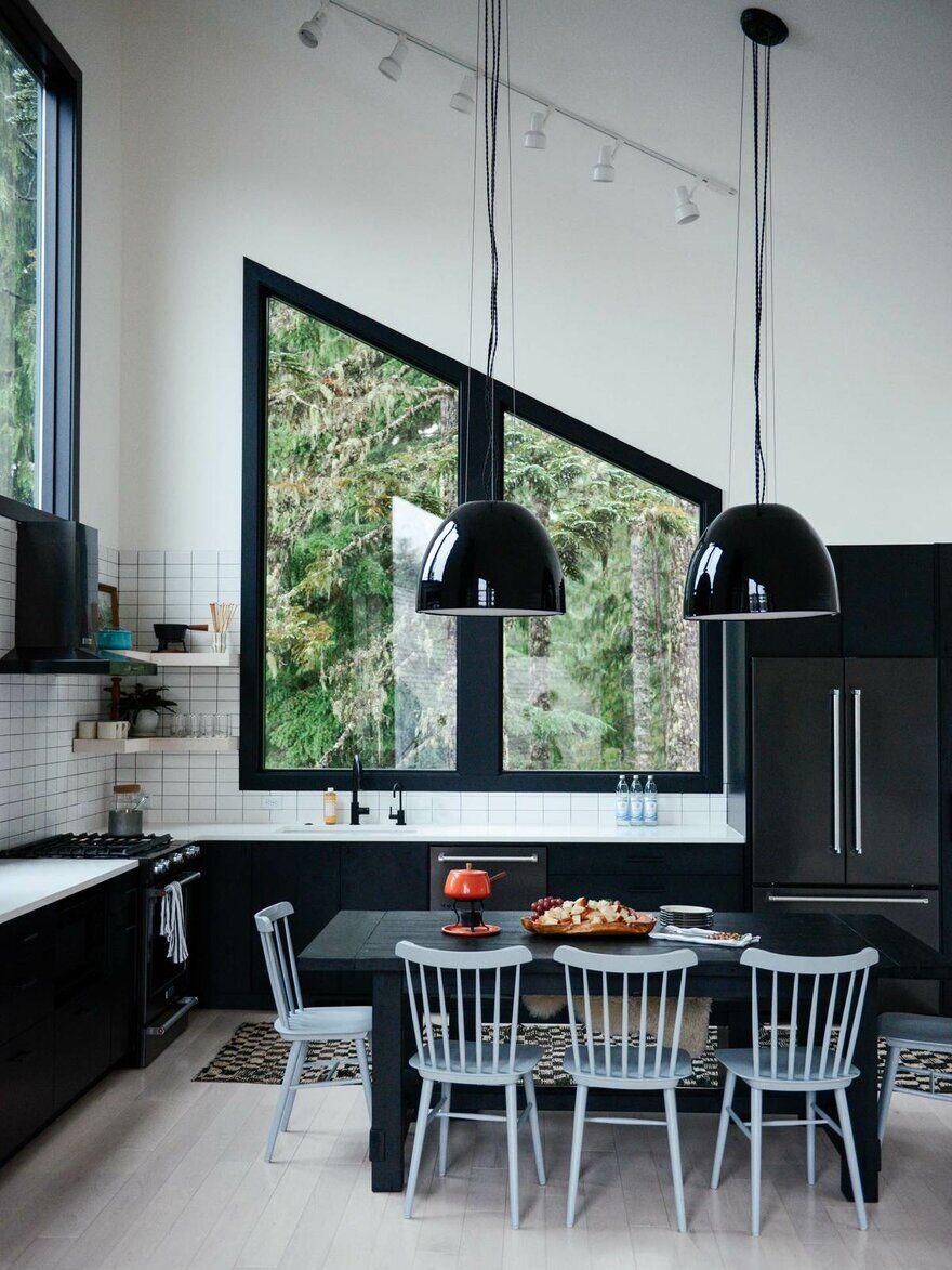 Alpine Noir Chalet, Casework Design Studio 9