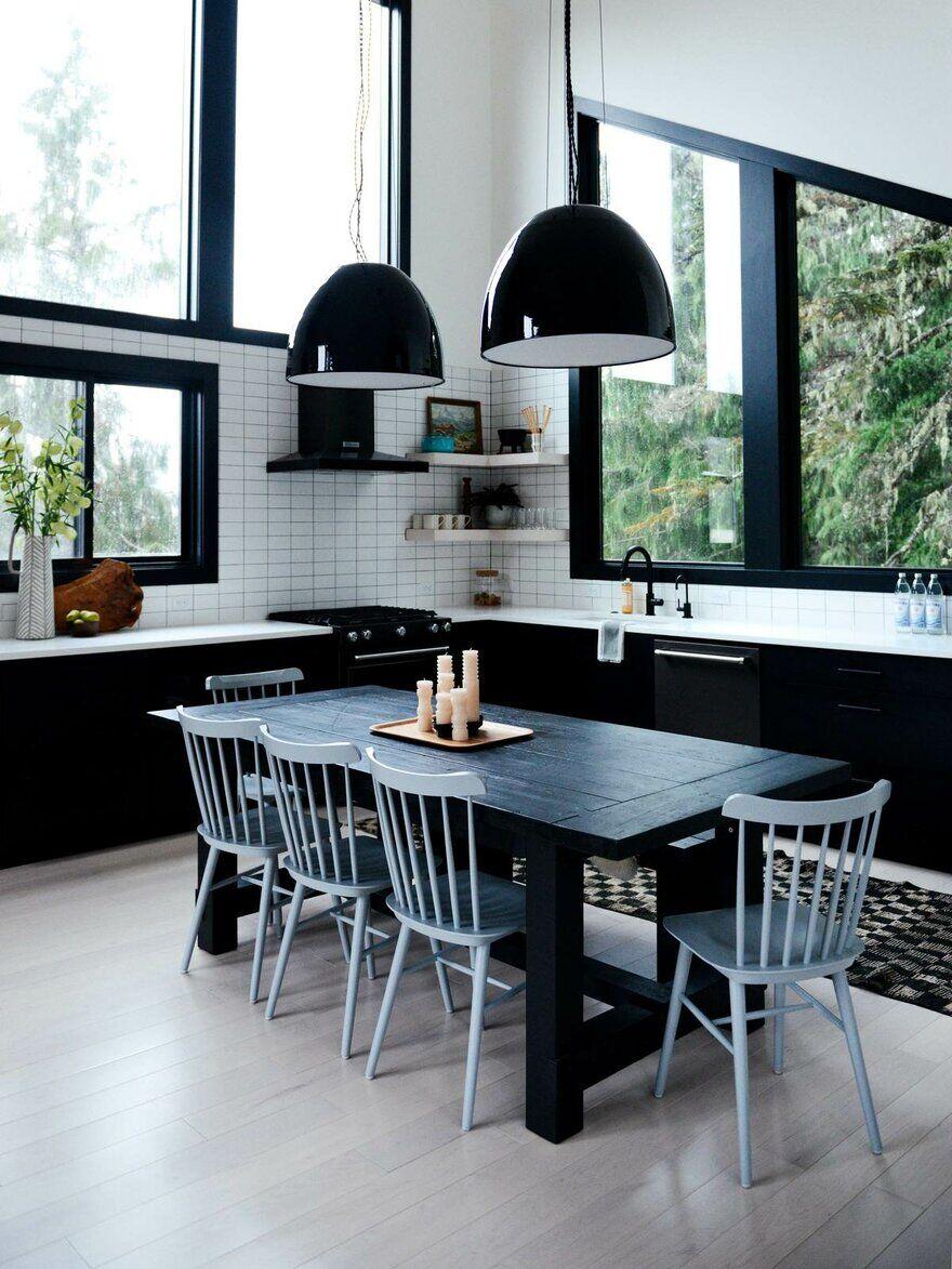 Alpine Noir Chalet, Casework Design Studio 10