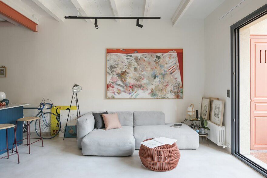 Barcelona Flat with a Distinct Contemporary Character