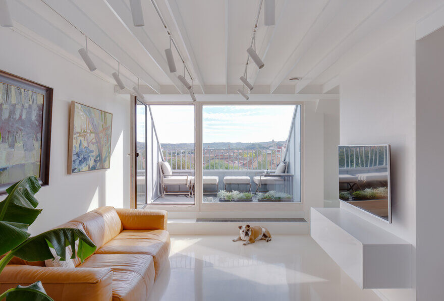 Top-Floor White Duplex 3
