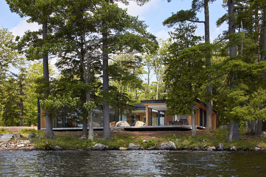 Lake Manitouwabing House Maximize Outdoor Living and Entertaining