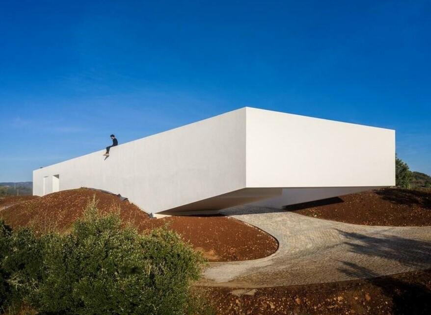 Portuguese Minimalist House