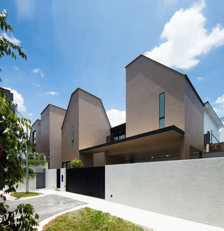 Contemporary Tower Like Bungalow In Singapore By Studio Wills