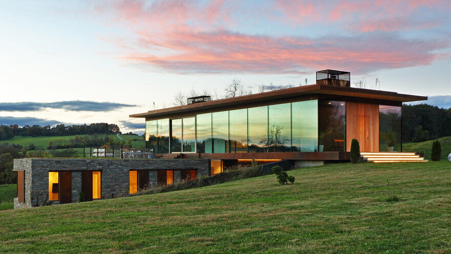 Link Farm House / Slade Architecture