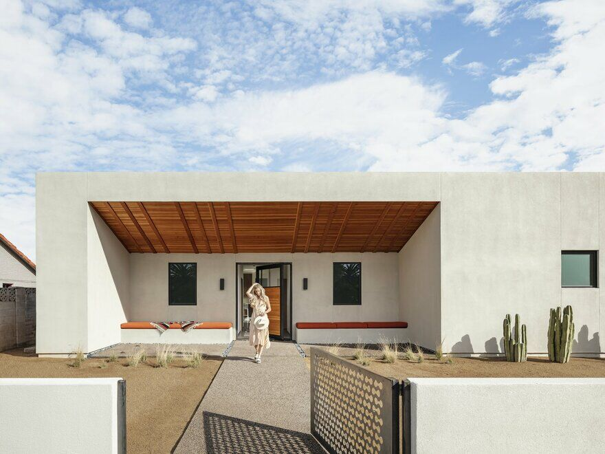 Modern Courtyard Home in the Heart of Phoenix, Arizona
