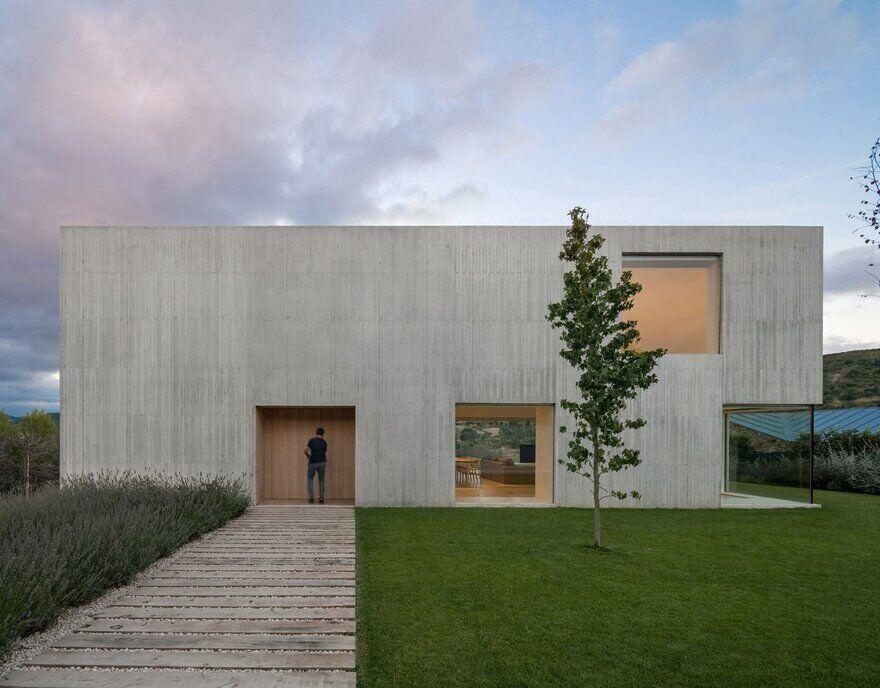 Pamplona House / Pereda Pérez Arquitectos