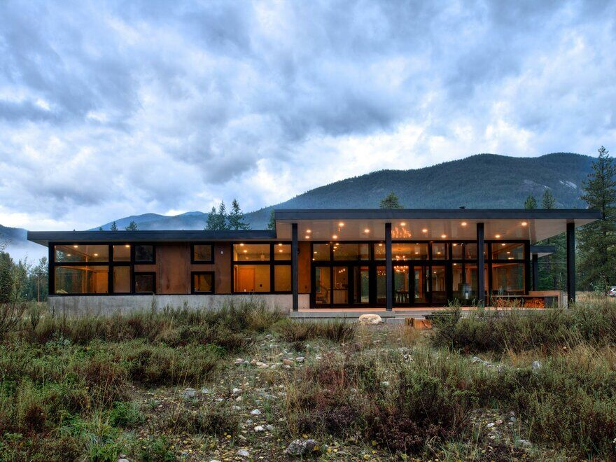 The Ranchero - Mazama Modern Cabin / CAST Architecture