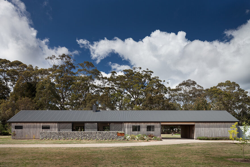 Trentham Long House / MRTN Architects