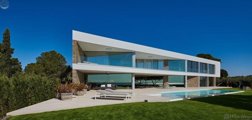 Stunning Modern Seafront Designer Villa in Costa Dorada
