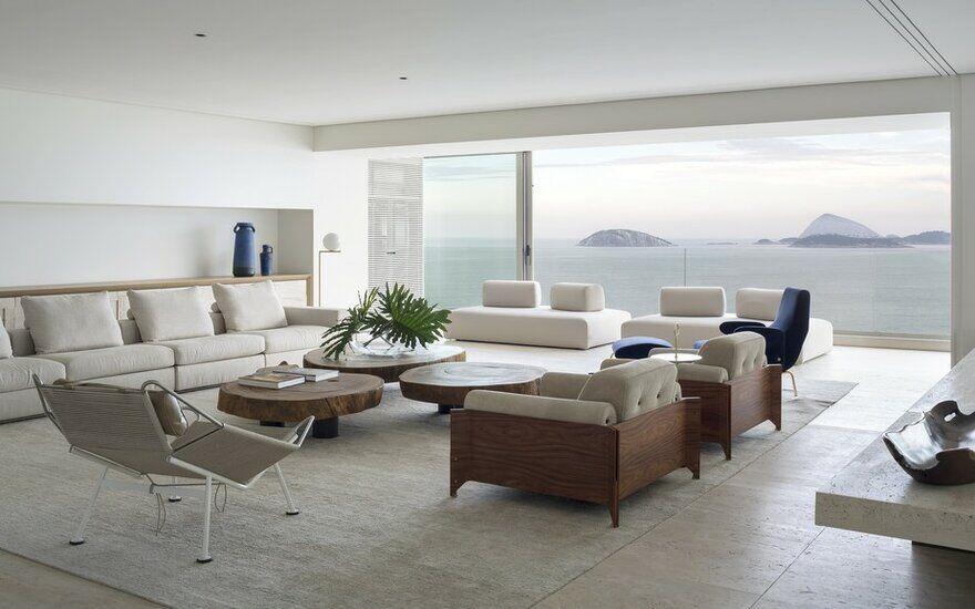 RS Apartment in Rio de Janeiro / Studio Arthur Casas