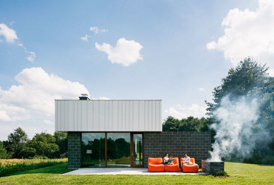 Catskills House Designed as an Escape from City Life