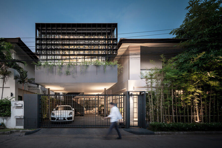 Flower Cage House in Bangkok Anonym Studio