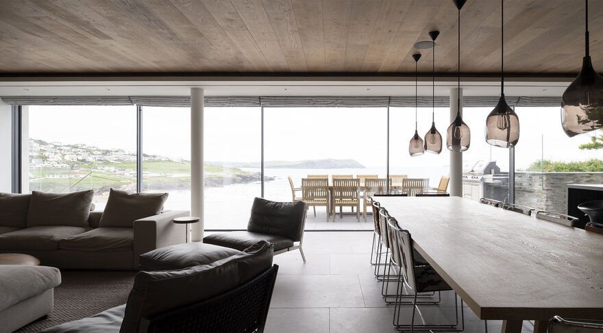 Polzeath Beach House on the North Cornish Coast / McLean Quinlan