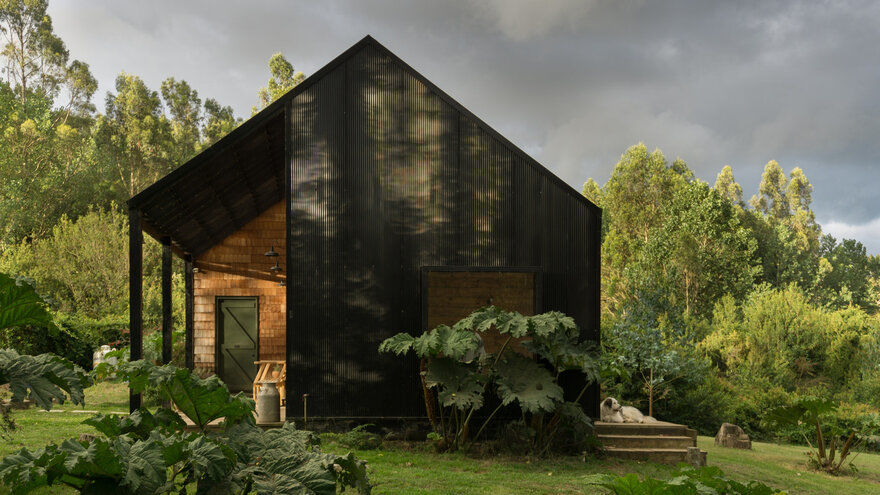 Casa KDDK in Frutillar, Chile / Karina Duque Arquitecto