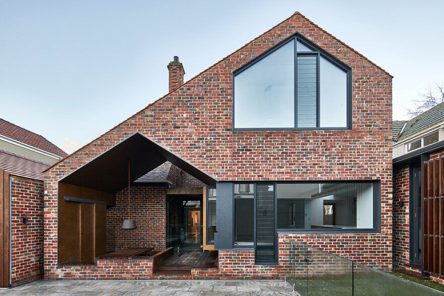 Tudor Revival Residence / Warc Studio