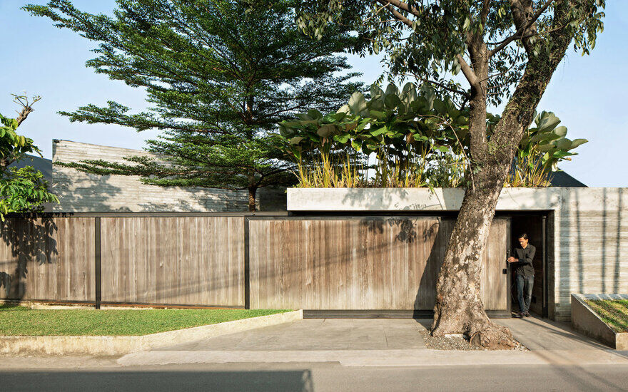 IT Residence by Andramatin Mixes Privacy with Endless Visual Stimulation