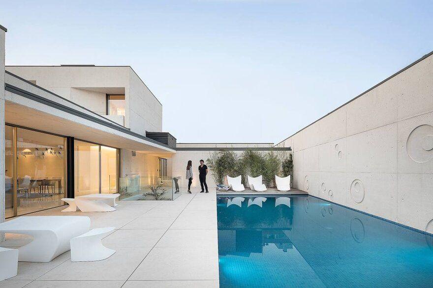 eclectic architecture, Águeda House, Atelier Espaço Objecto