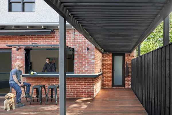 House N in Melbourne Featuring Strong Forms and Rich Textures