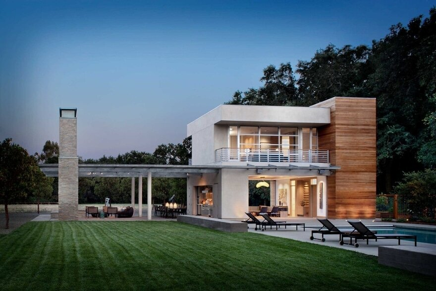 Sonoma Pool House: A Family's Playground by Zumaooh