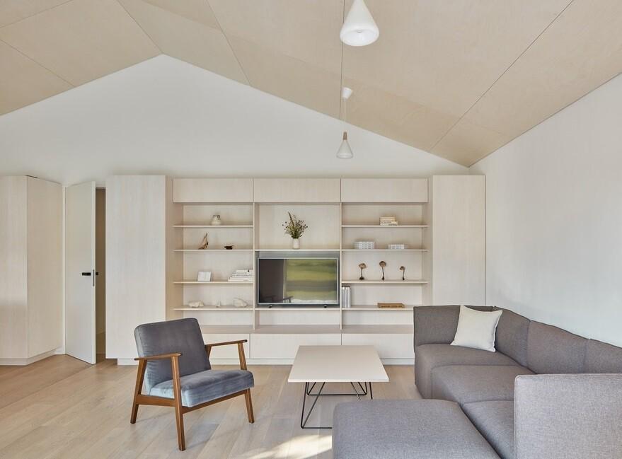 Summer Family Residence