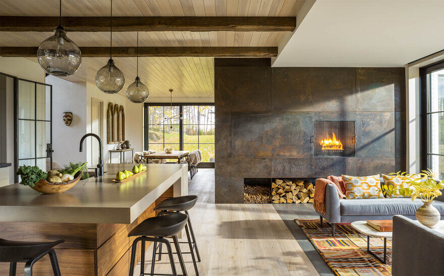 Vermont Modern Farmhouse / Joan Heaton Architects