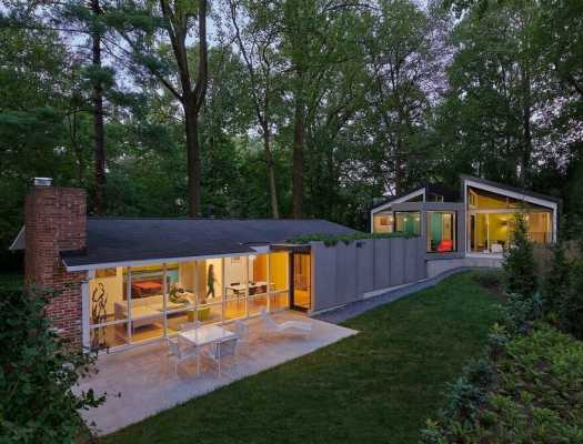 New Rear Addition to a 1950 Mid-Century Modern House