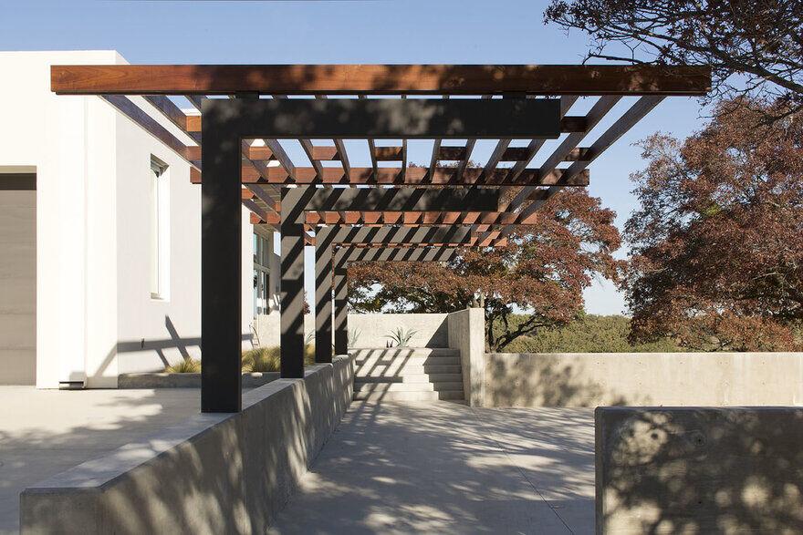 Brownwood House / Dick Clark + Associates