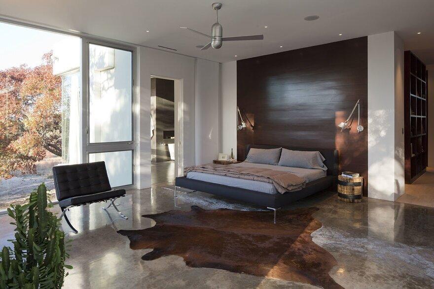 bedroom / Dick Clark + Associates