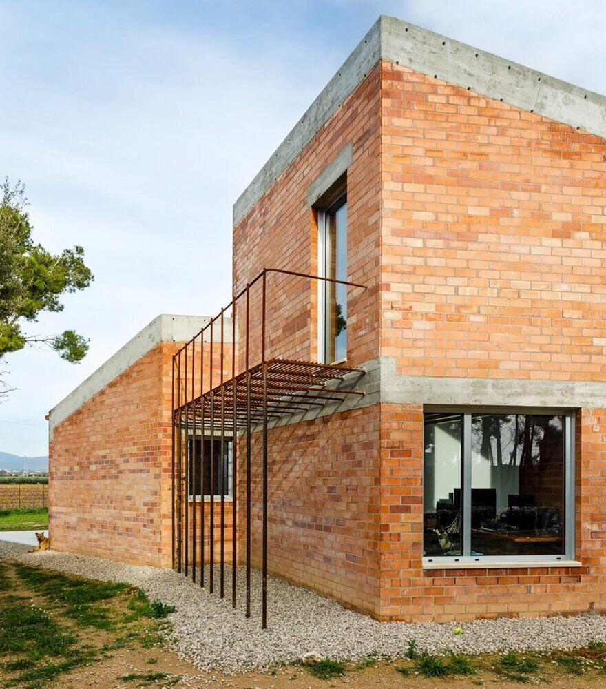 Casa Almudena by Jesús Perales Arquitecte