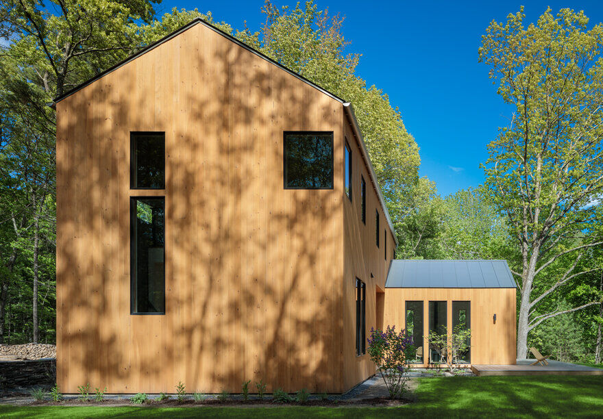 Chalet Perche in Kerhonkson, NY by Studio MM Architect